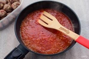 Фрикадельки с томатным соусом и яйцом - фото шаг 3