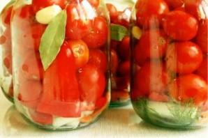 Консервированные помидоры с перцем - фото шаг 5