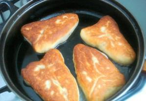 Пирожки с мясом на сковороде - фото шаг 7