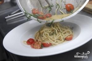 Спагетти с помидорами черри - фото шаг 10