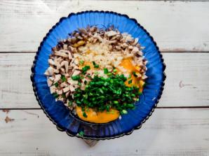 Куриные оладьи с грибами - фото шаг 4