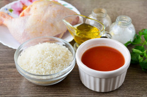 Курица с рисом в томатном соусе - фото шаг 1