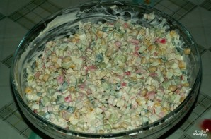 Салат из кукурузы и крабовых палочек - фото шаг 3