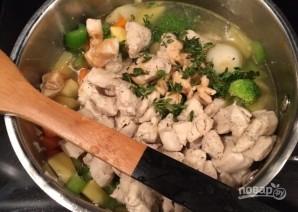 Суп с овощами и куриной грудкой - фото шаг 7