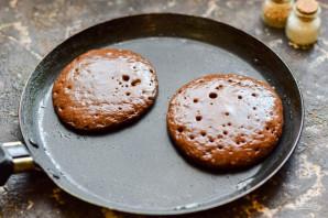 Шоколадные оладьи на молоке - фото шаг 7