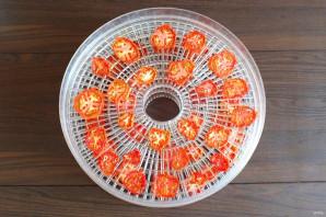 Чипсы из помидоров в сушилке - фото шаг 4