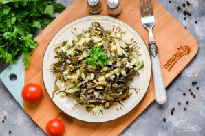 Салат с морской капустой - фото шаг 6