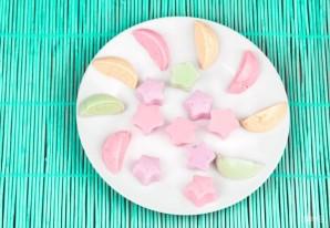 Желейные конфеты из йогурта - фото шаг 4