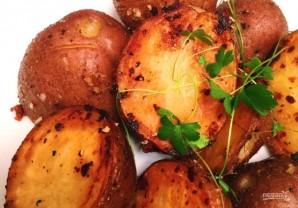 Картофель с чесноком на сковороде - фото шаг 4