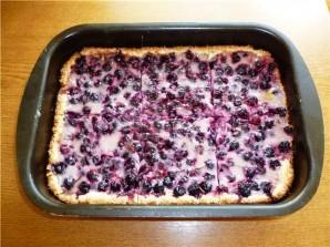 Пирог со смородиной и йогуртом - фото шаг 5
