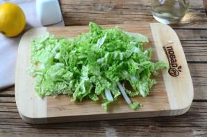 Салат из пекинской капусты и помидоров - фото шаг 2