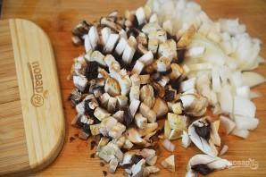 Пирожки-лодочки с сырно-грибной начинкой - фото шаг 2