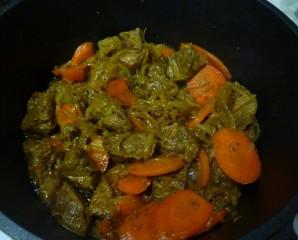 Говядина с овощами в казане - фото шаг 5