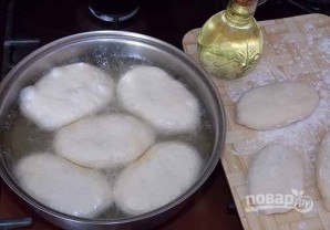 Пирожки с луком и яйцом на дрожжевом тесте - фото шаг 10