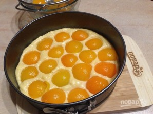 Пирог с консервированными абрикосами - фото шаг 6