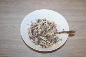 Салат с фасолью, ветчиной и сухариками - фото шаг 6