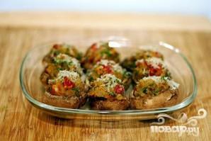 Грибы, фаршированные вялеными помидорами - фото шаг 3