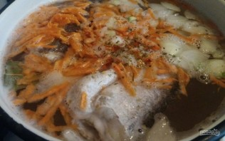 Суп из хека с яйцом и рисом - фото шаг 3
