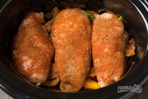 Тушеная курица с овощами в мультиварке - фото шаг 4