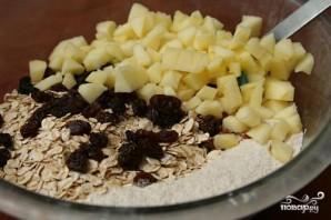 Яблочный пирог с орехами и изюмом - фото шаг 2