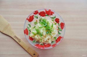 Салат из редьки, яблока и моркови - фото шаг 5
