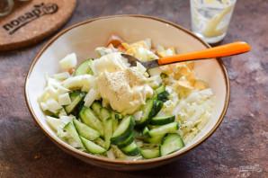 Салат с копченой курицей и огурцом - фото шаг 6