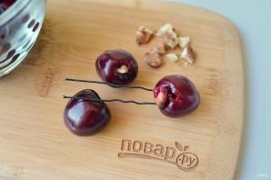 Варенье из черешни с грецкими орехами - фото шаг 2