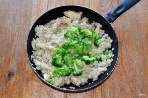 Рис с брокколи и курицей - фото шаг 9