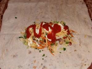 Шаурма с колбасой - фото шаг 10