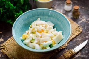Салат с кальмарами и фасолью - фото шаг 5