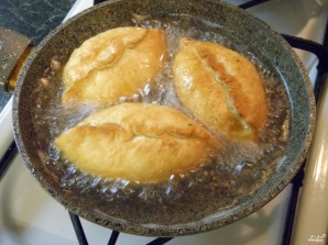 Пирожки с яйцами на кефире - фото шаг 13