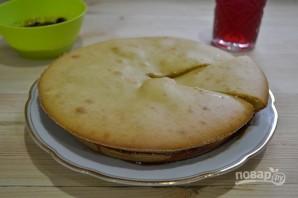 Бисквит на кефире с вареньем - фото шаг 12