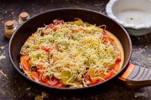 Пицца с грибами на сковороде - фото шаг 10