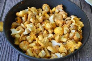 Лисички с картошкой жареные в сметане - фото шаг 6