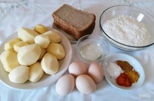 Яичные кнедли с картофелем и гренками - фото шаг 1