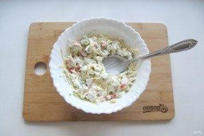 Крабовый салат с яблоком - фото шаг 9