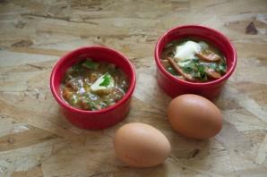 Завтрак из сосисок и яиц - фото шаг 7