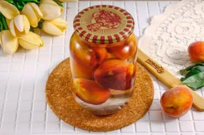 Компот из персиков с косточкой на зиму