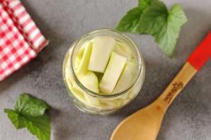 Маринованные кабачки с лимонной кислотой на зиму - фото шаг 4