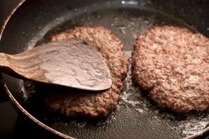Домашний гамбургер с ржаным хлебом - фото шаг 7