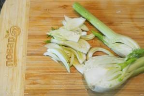 Салат из цуккини, фенхеля и редиса - фото шаг 5