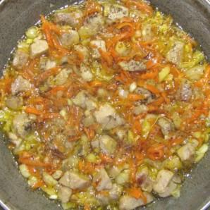 Свинина с луком и морковью - фото шаг 3