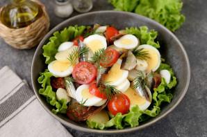 Салат с копченой салакой - фото шаг 8