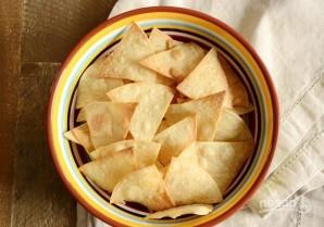 Чипсы из тортильи в духовке - фото шаг 5