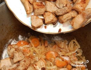 Тушеная картошка с мясом в духовке - фото шаг 5