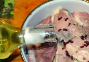 Свинина с барбарисом в духовке - фото шаг 3