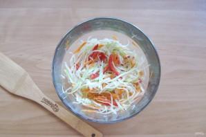 Осенний салат из капусты - фото шаг 7