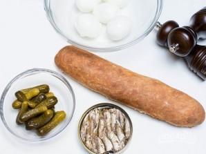 Бутерброды со шпротами и соленым огурцом - фото шаг 1