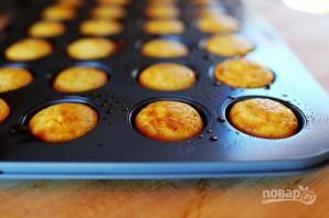 Кукурузные кексики с черникой - фото шаг 6