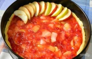 Пирог с брусникой и яблоками - фото шаг 6